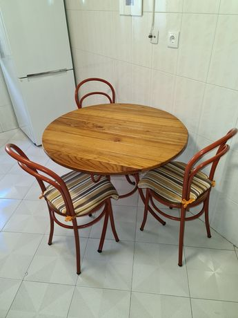 Mesa cozinha com 4 cadeiras
