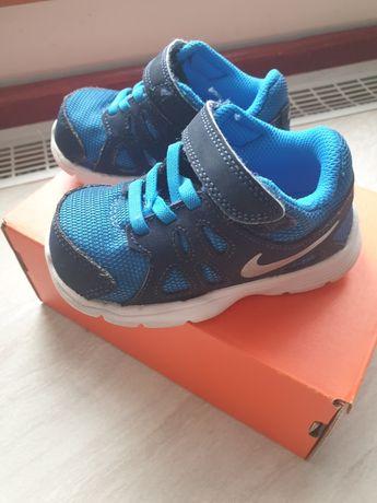 Adiadasy Nike r.22