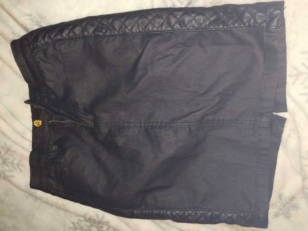 Elegancka czarna spódnica olowkowa