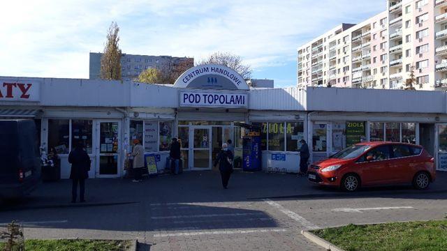 "lokal ""Pod Topolami"""