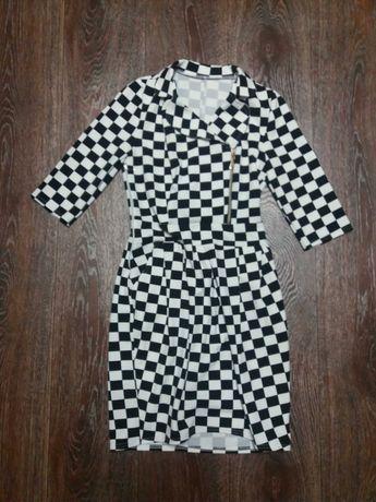 Платье деловое, коктейльное, черно- белое в клетку, размер XS S 42 44