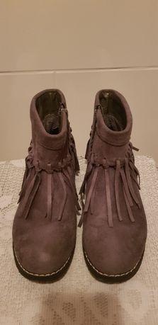 buty zamszowe z frędzlami reserved rozmiar 36