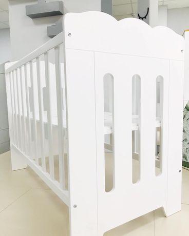 Детская кроватка для новорожденных белая из натурального дерева