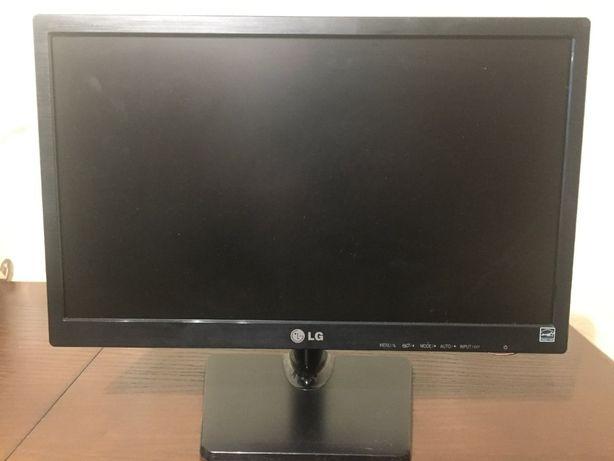 """Монитор LG E1942C 18.5"""" HD черный, широкоформатный LCD ЖК LG Flatron"""