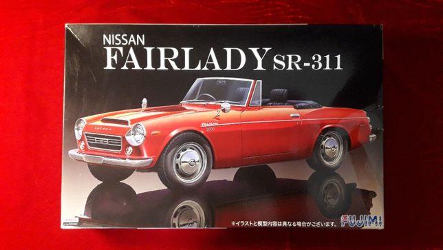 Сборная модель 1:24 Nissan Fairlady SR-311