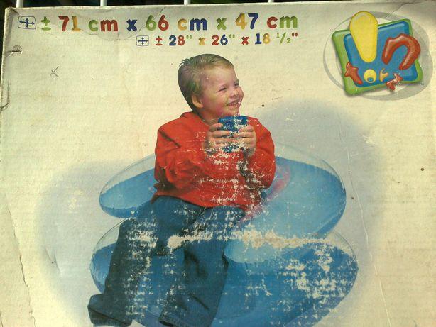 Продам кресло детское надувное фирмы Intex .