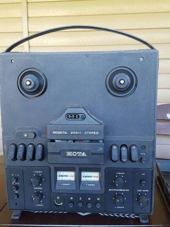 Продам бабинный стерео магнитофон Нота 203-1