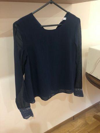 Темно-синя блуза