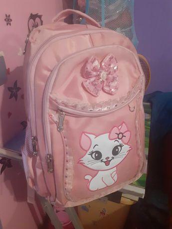 красивый розовый рюкзак с кошечкой