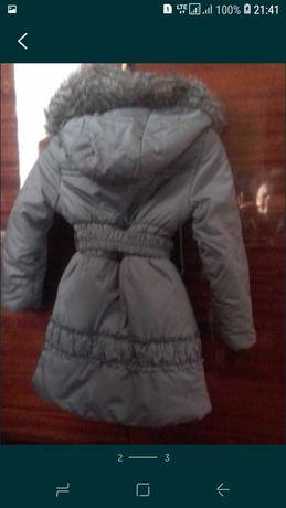 Куртка тепла на дівчинку