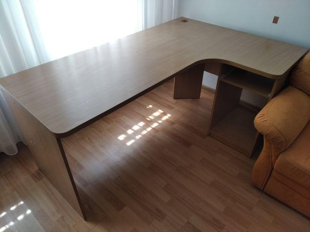 Стол офисный 176.5на 120 см