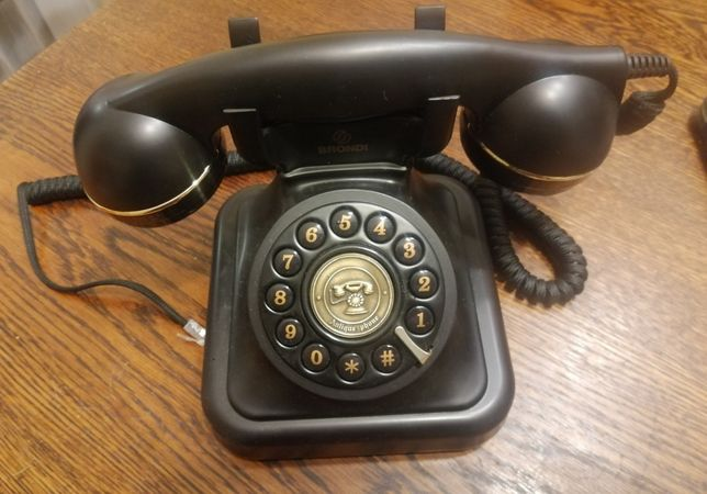Telefon vintage włoskiej marki Brondi