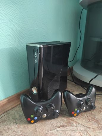Xbox 360 slim 240 gb