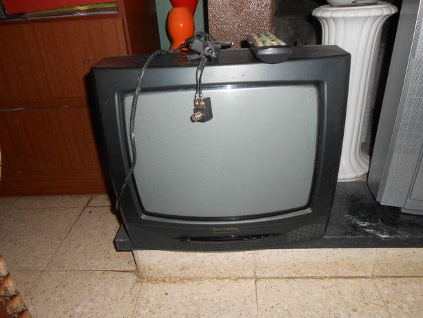 Televisor Hisawa 37 cm nova