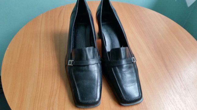 Buty czarne eleganckie rozmiar 39