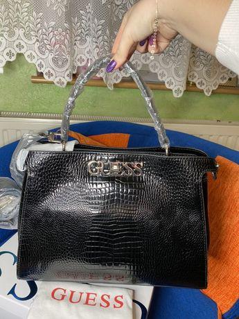 Nowa czarna torebka guess Uptown Chic lakierowana duża A4 prezent