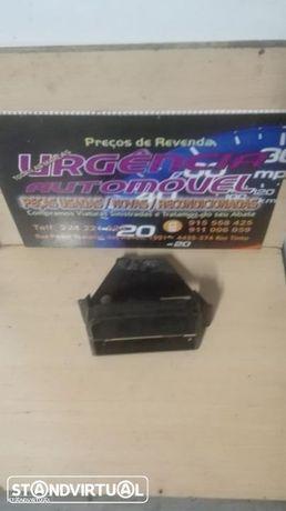 Bmw E36 / 316 /318 (90-98) - Consola / Caixa Suporte do Rádio