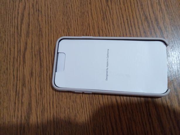 3 б/у чехла на Айфон 11 Макс