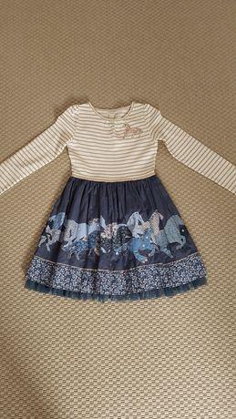 Indyjska sukienka dla dziewczynki