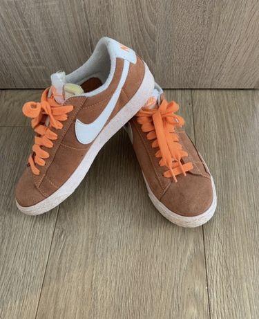 Кросівки Nike шкіра оригінал Італія. 36,5 розмір. Кроссовки. Кожа