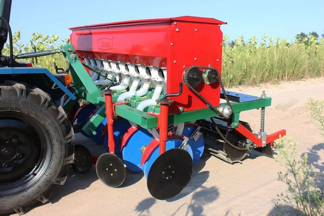 Сеялка зерновая тракторная на юмз дтз мтз синтай джинма т40 т25