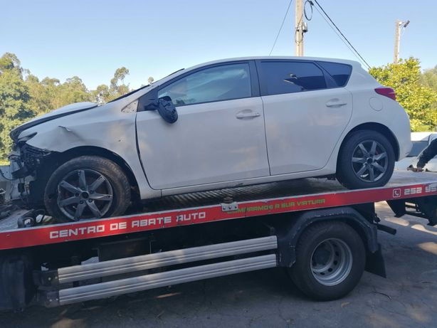 Toyota Auris 1.5 DCI 2014 | PARA PEÇAS |