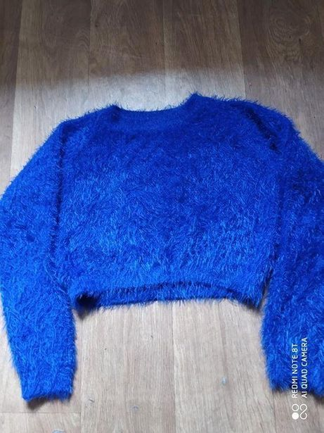 Продам укороченный свитер на девочку 11-13 лет