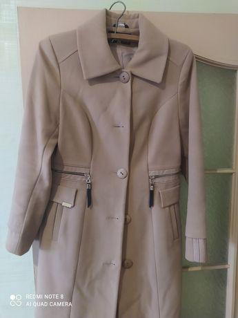 Женское демисезонные пальто