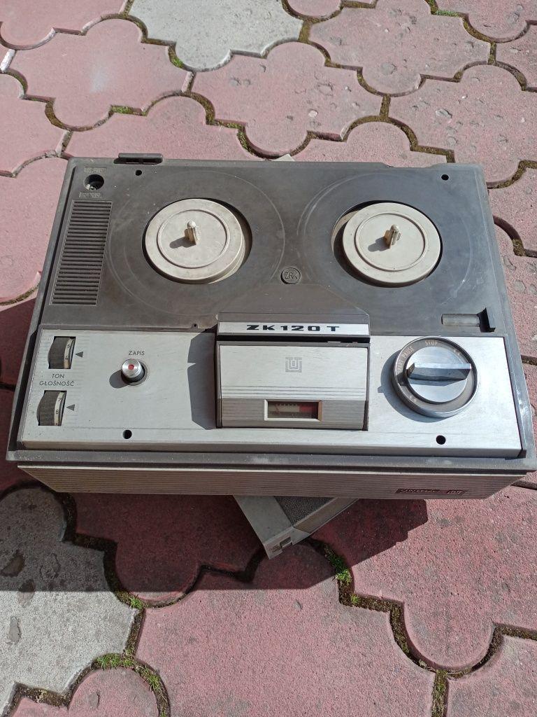 Sprzedam magnetofon marki UNITRA zabytkowy