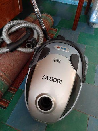 Пылесос моющий Vitek