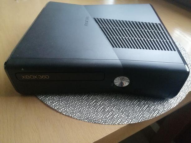 Konsola Xbox 360 slim