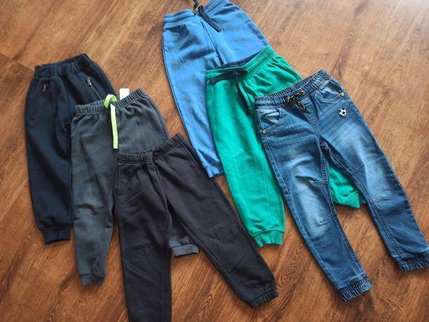 Spodnie rozmiar 98-104