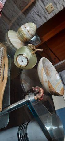 Изделия из камня яйцо с подставкой, часы яблоко, тарелочка