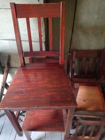 Stół plus cztery krzesła