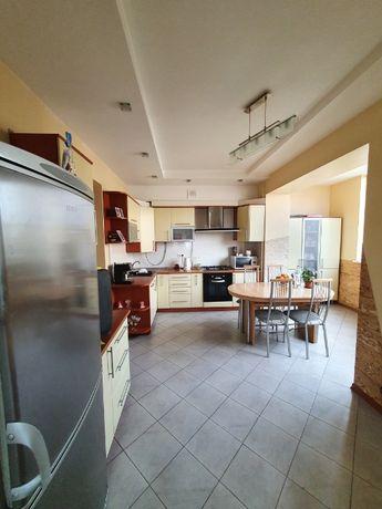 Продаж квартири з ремонтом в новобудові по вул. Кавалерідзе (Сихів)