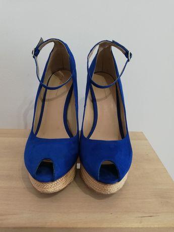 Koturny, sandały na koturnie, chabrowe, granatowe Zara 40