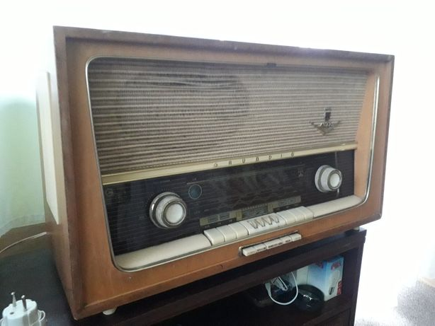 GRUNDIG  TYPE 4077 RADIO LAMPOWE, sprawne, antyk w super stanie 1957 r