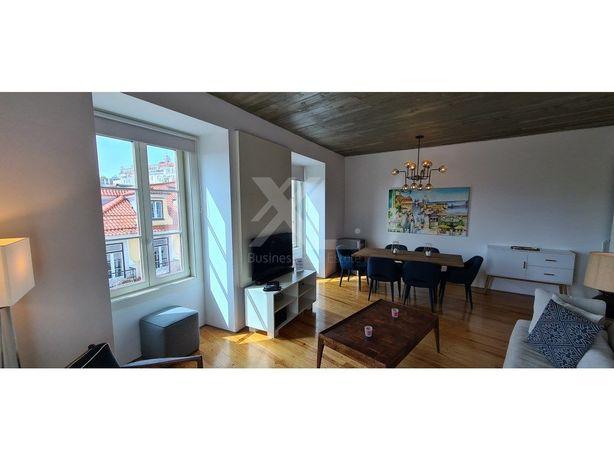 Apartamento T2 remodelado, com vista de rio, no centro de...