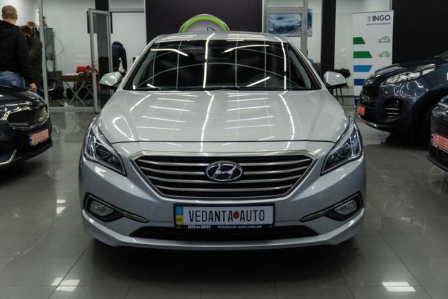 Hyundai Sonata (001)