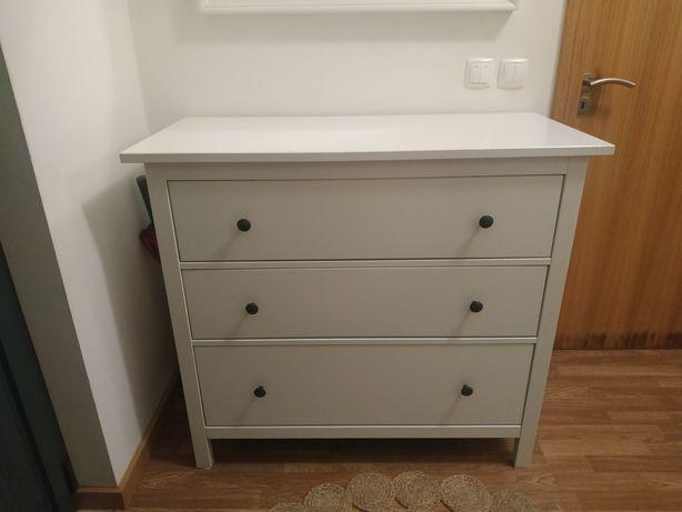 Comoda com gavetas IKEA