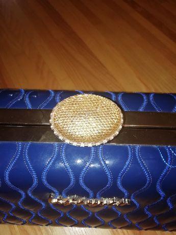 Нарядная синяя сумка
