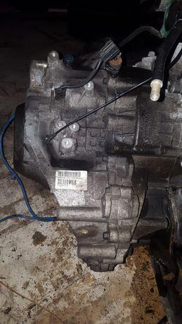 Caixa de velocidades v40 - 1.8 de 2003 e outras peças do motor