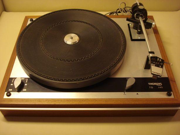 Gira-discos Thorens TD 145