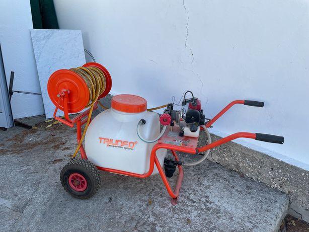 Pulverizador agricola Triunfo 45 lts 25 m mangueira e extensor. C Novo