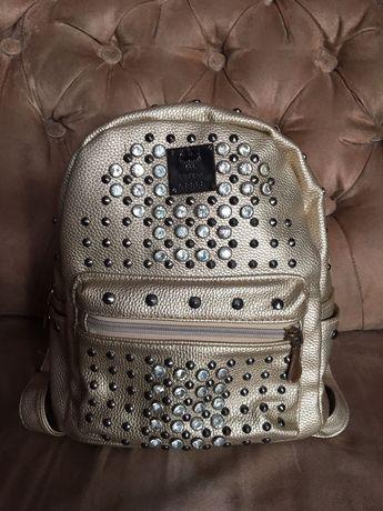Продам рюкзачок для девочки в отличном состоянии