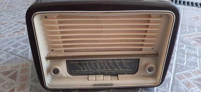 Radio Telefunken Antigo