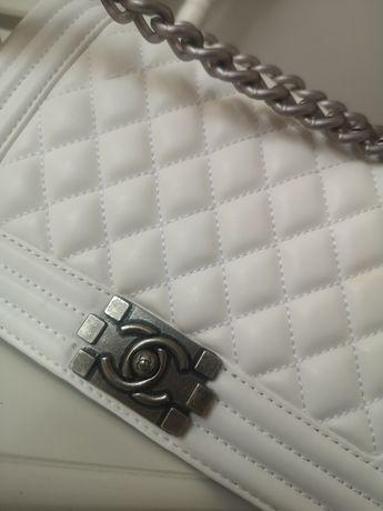 Nowa biała torebka chanelka Chanel pikowana