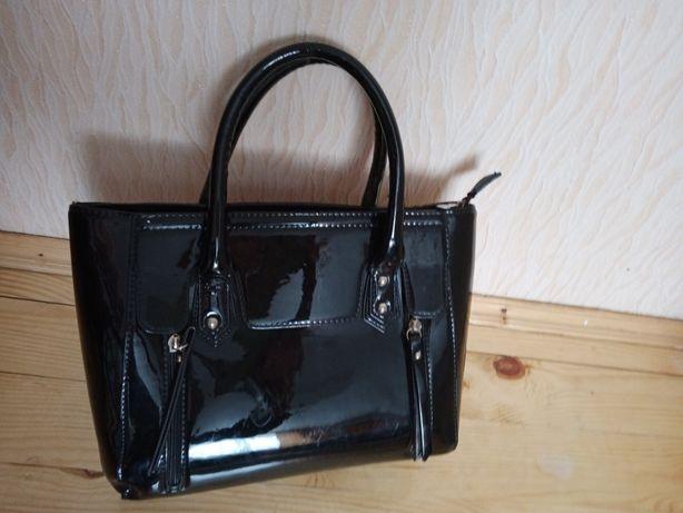 Жіноча лакова сумка
