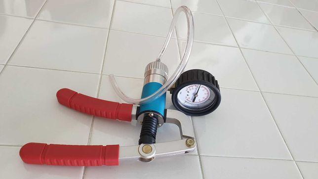 Bomba de vácuo e pressão manual