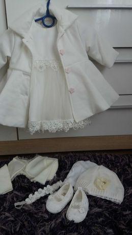 Komplet ubranek do chrztu dla dziewczynki